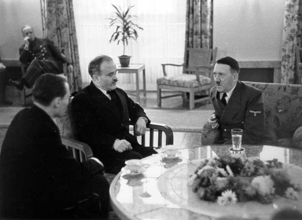14 ноября 1940 года. Сталин и Молотов о советско-германских переговорах, Гитлере и готовящемся нападении Германии на СССР.