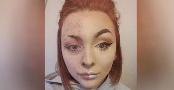 Она делала макияж каждый день, но как только ее парень увидел ее настоящее лицо, то сразу же расстался с ней!