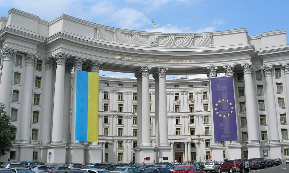 Бывший премьер Украины рассказал, как США управляют Киевом