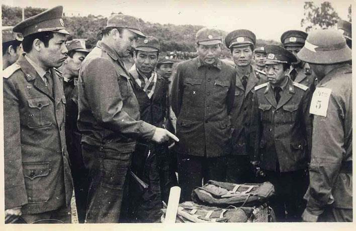 """Немного армейского юмора из ВВС СССР """"Вьетнамской войны"""""""