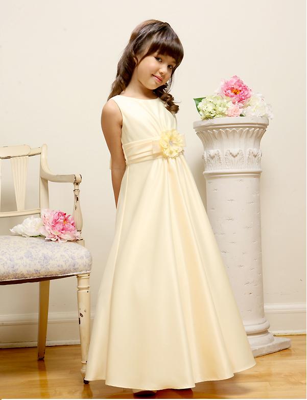 Пошив платья для дочки своими руками по инструкции с фото. Фото №1
