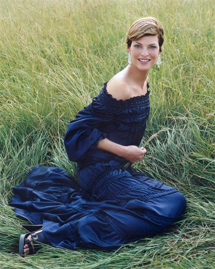 Линда Евангелиста в фотосессии Стивена Майзела 2001
