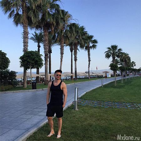 Сергей Лазарев отдыхает с сыном в Турции