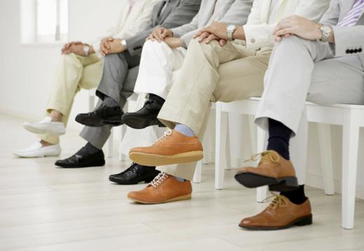 Вредно ли сидеть, положив ногу на ногу?