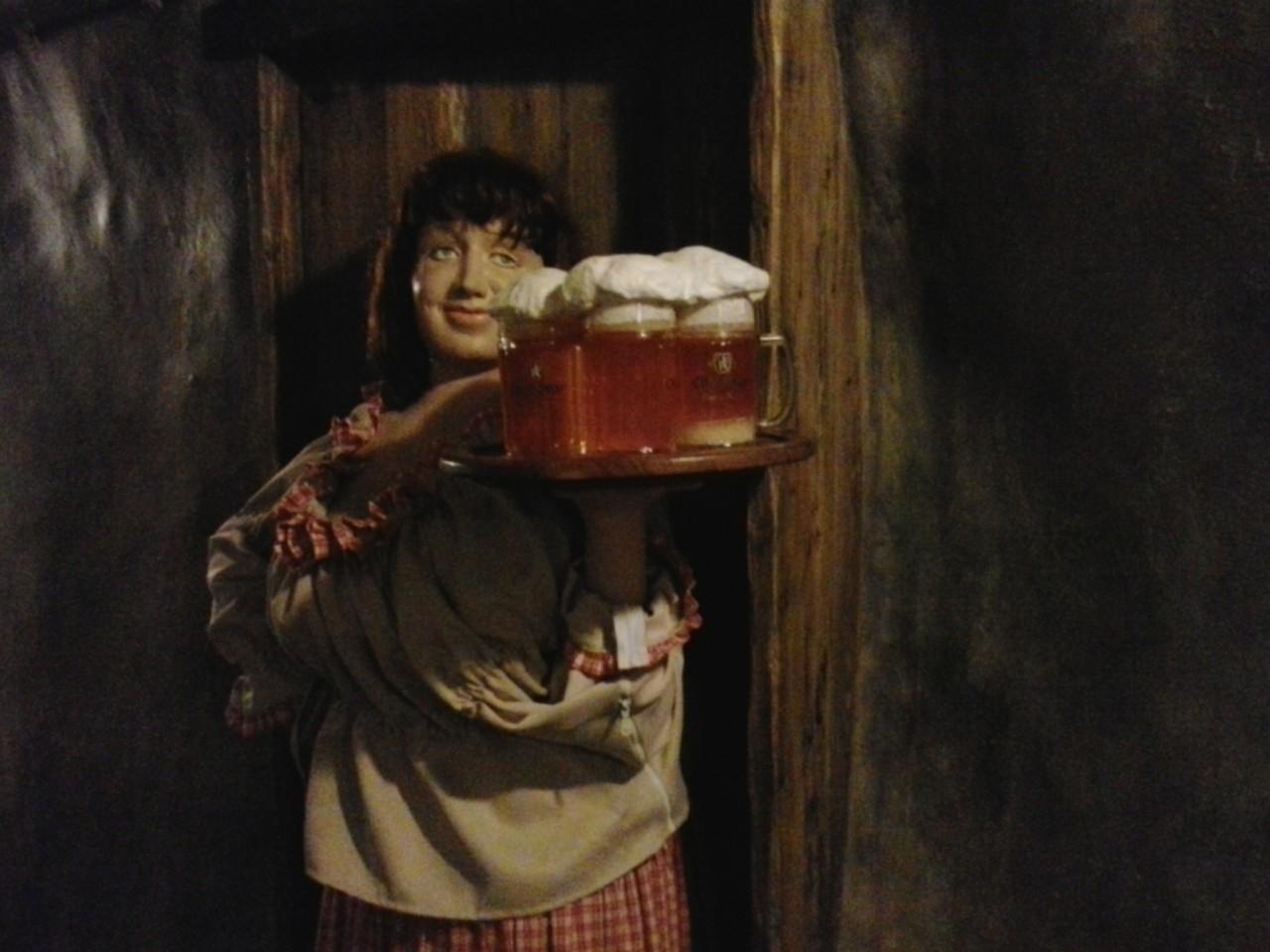 """Семейная пивоварня - Ходовар - ресторан """"В скале"""""""