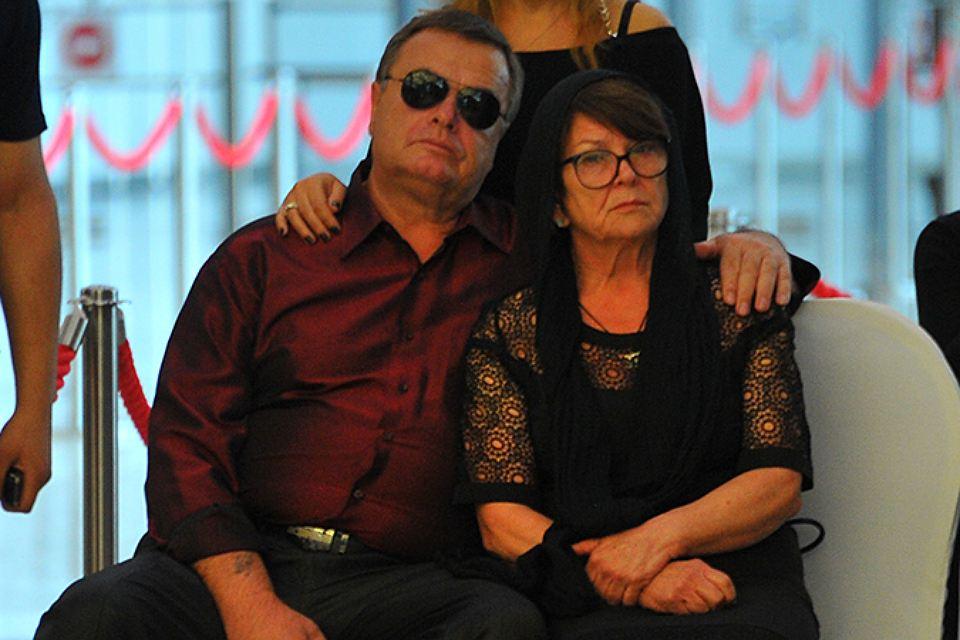 Родителей Фриске обязали вернуть 22 миллиона рублей, собранных на лечение певицы