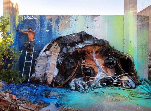 Скульптуры животных из мусора, напоминающие о загрязнении