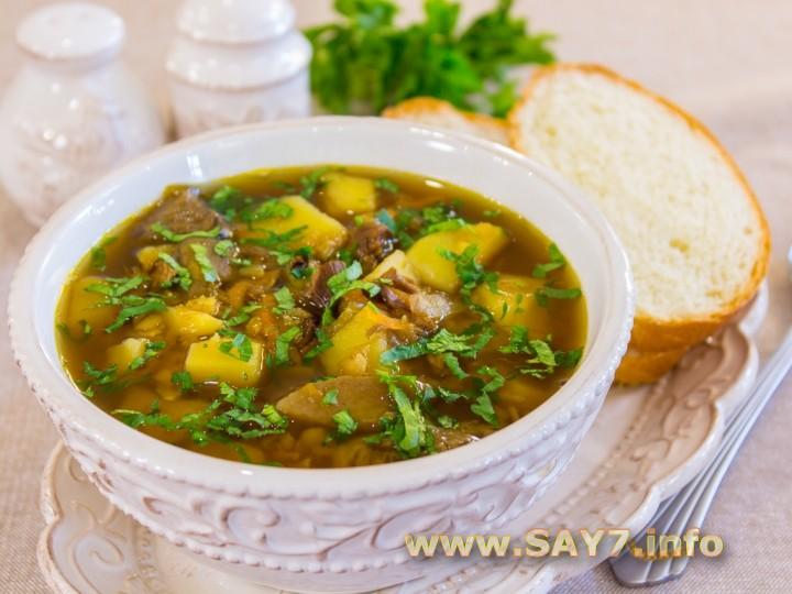 Суп с чечевицей и белыми грибами