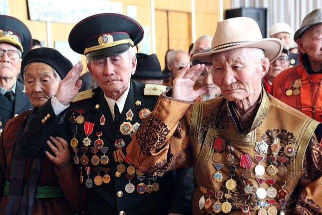 Монгольские ветераны войны.