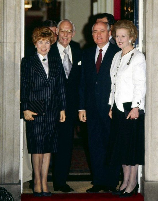 Михаил Горбачев с супругой. Фото