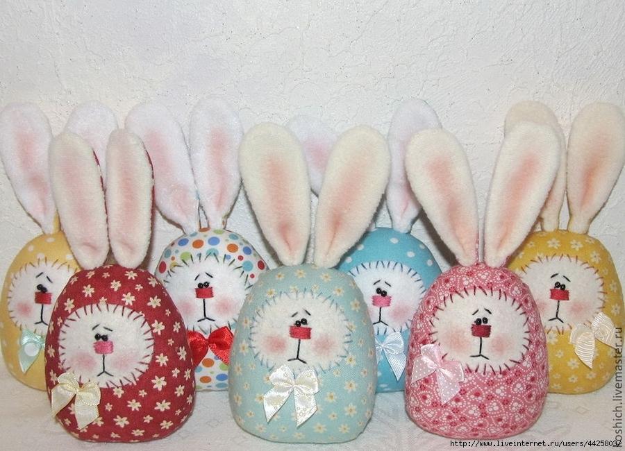 Шьем пасхальных яйца-зайцев.…