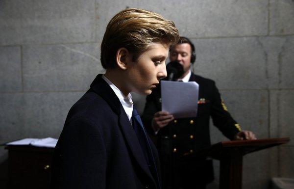 Скандал в США: дочь Клинтон не стерпела оскорблений в адрес Бэррона Трампа