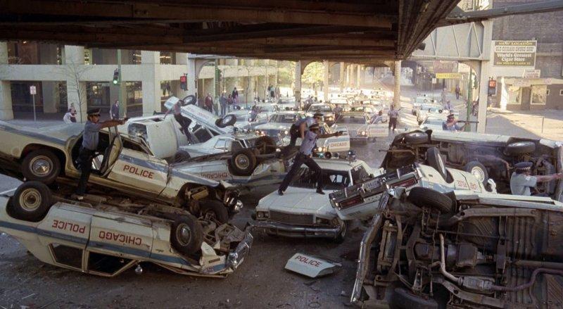 Автомобили киногерои и статисты