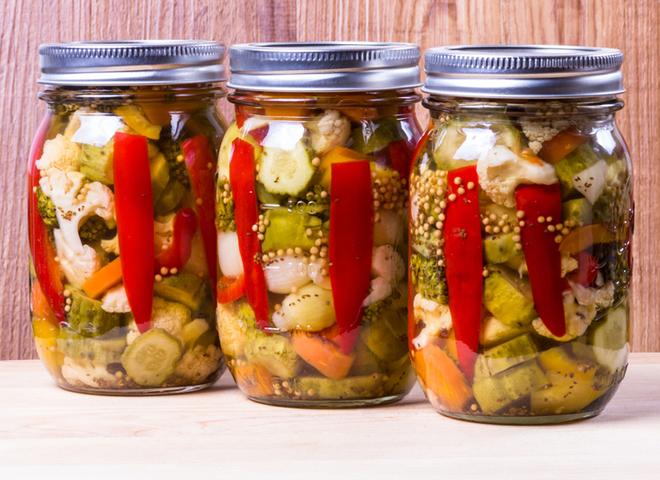 Консервируем салаты: рецепт осеннего огорода