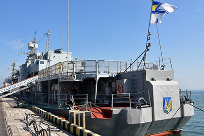 Лед сковал флагман ВМС Украины «Гетмана Сагайдачного»