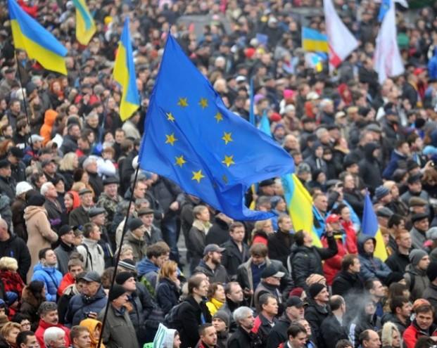 Прозрели спустя годы: украинцы поняли почему Янукович не торопился в ЕС