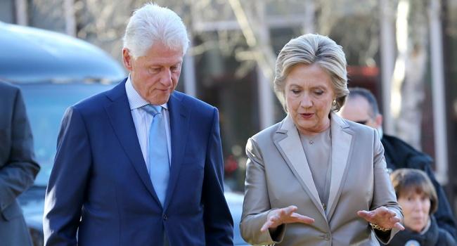 В США секс-скандал не утихает, на арене все те же Билл и Дональд