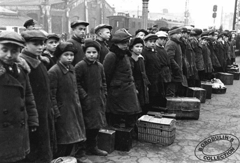 Фашисты запрещали детям кататься на санках