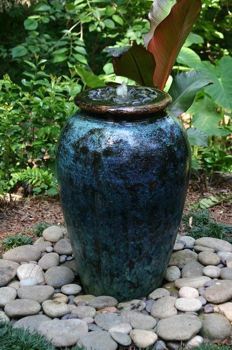 Удивительные садовые фонтаны