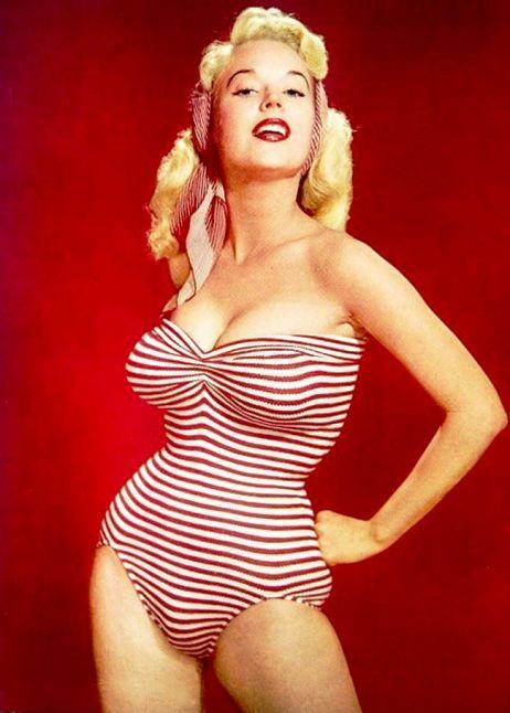 """Бетти Бросмер — обладательница самой шикарной фигуры 50-х годов. Она """"стартовала"""" в 13 лет и выиграла 50 конкурсов красоты"""