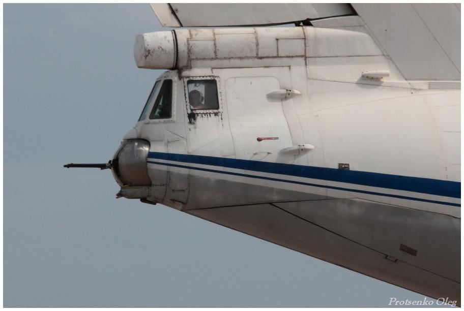 IL-76 N76777-006
