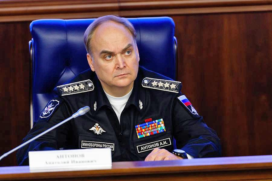 Кадровое перемещение Антонова является сигналом Кремля внешнему миру
