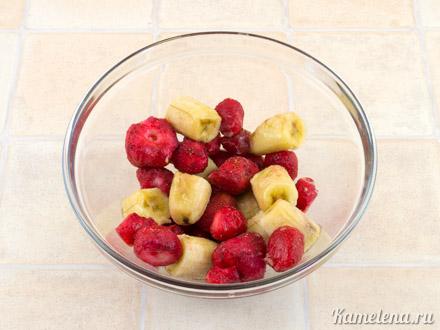 Клубнично-банановый сорбет  с йогуртом — 2 шаг