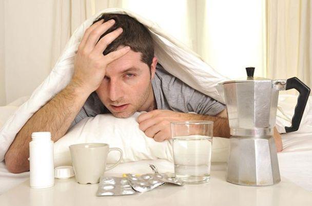 Как избавиться от алкогольного отравления быстро: облегчаем похмелье