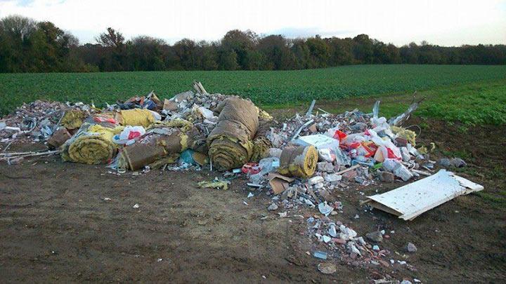 Мэр проучил людей, которые оставили свой мусор в городском лесу. Очень показательно!
