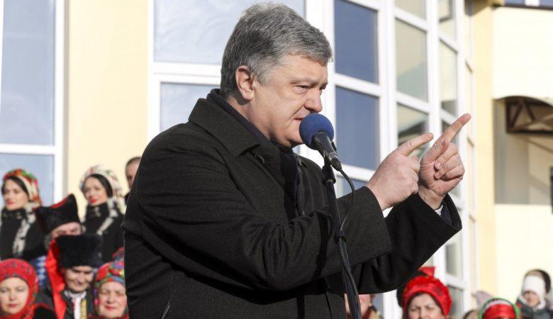 Харьковчанин послал Порошенко в ..опу и даже отбился от его охраны