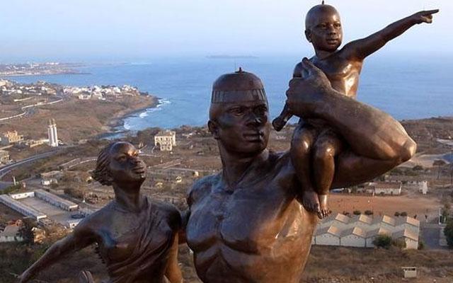 Знаменитые и пугающие памятники со всего света