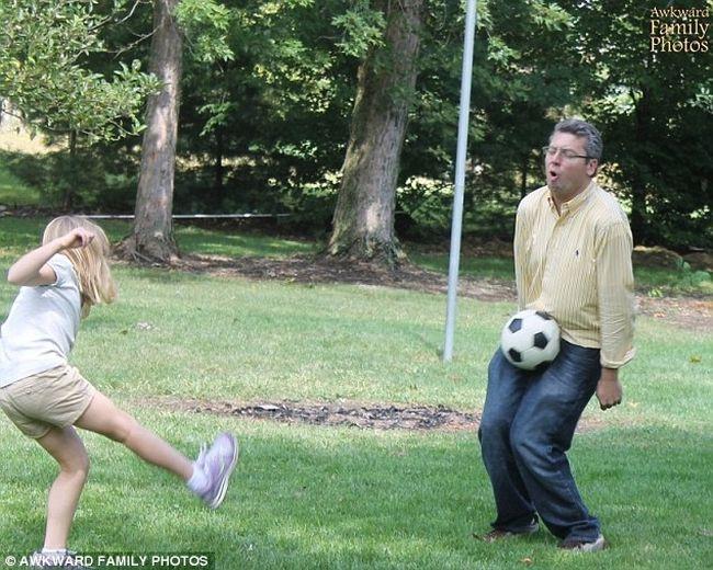 Самые смешные и нелепые фотографии отцов со своими детьми
