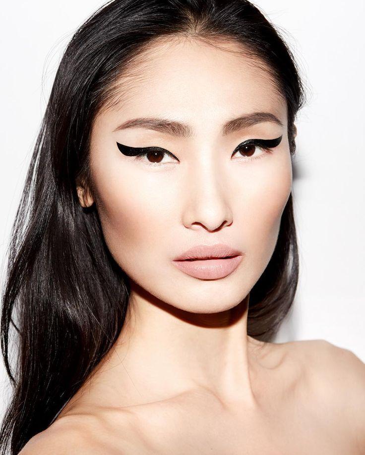 Картинки по запросу winged eyeliner full face