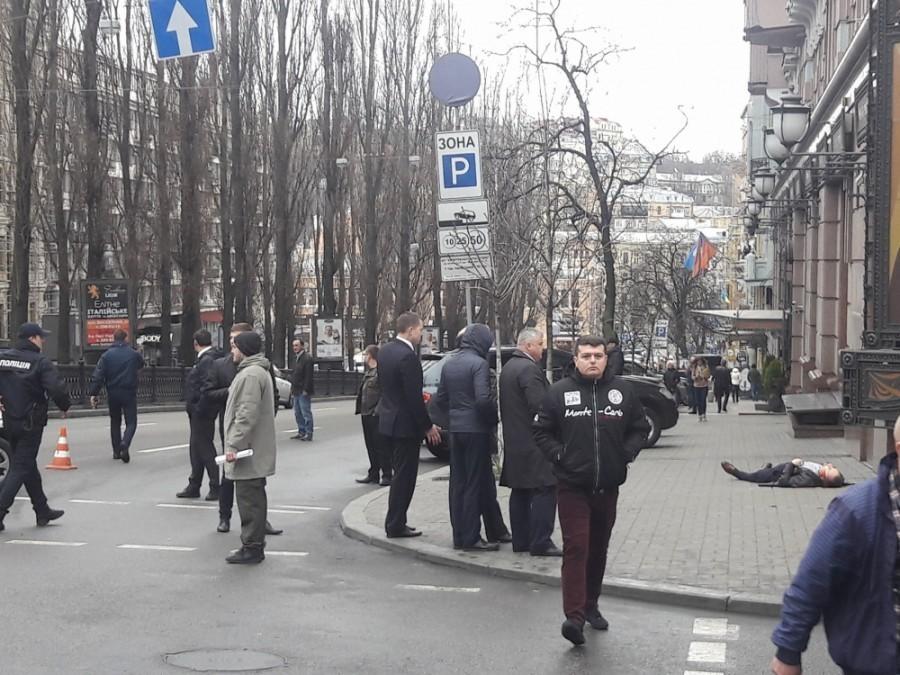 Очевидцы убийства экс-депутата РФ в Киеве сообщили о семи выстрелах