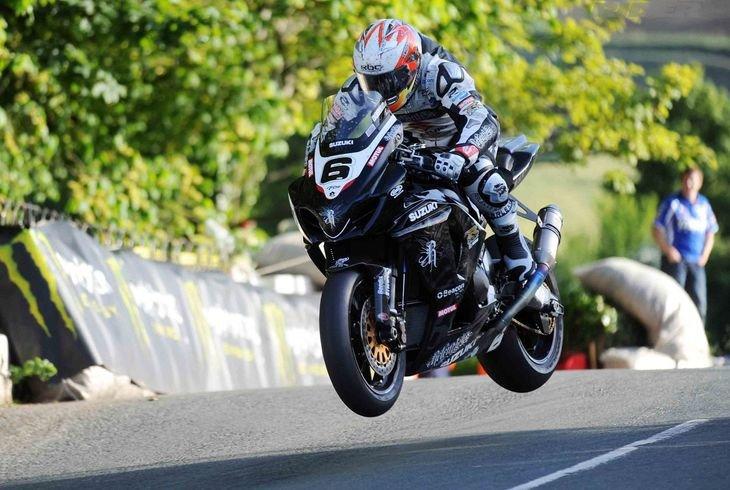 Сезон закрыли: самые запоминающиеся мотокурьезы и аварии