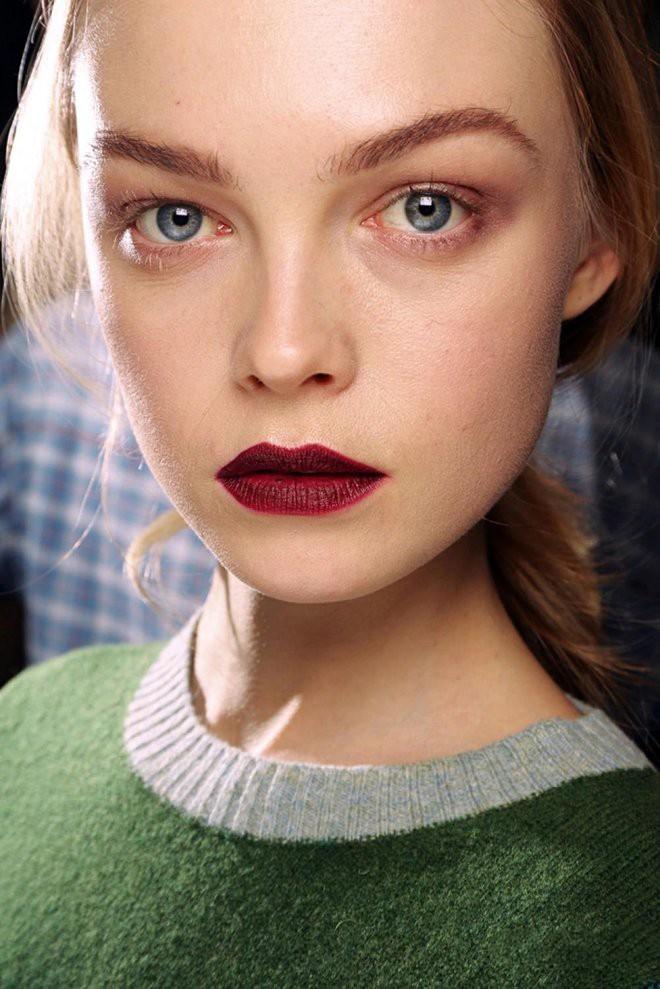 Тренд: Темные губы