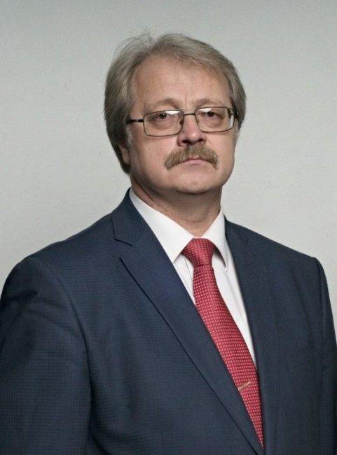 любовь зам главы администрации владивостока торговом
