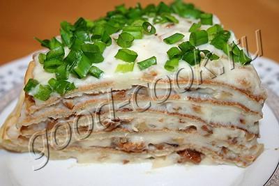 блинчатый пирог с картофельным пюре и грибами