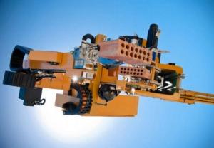 XXI век: роботы-каменщики строят кирпичный дом за 2 дня