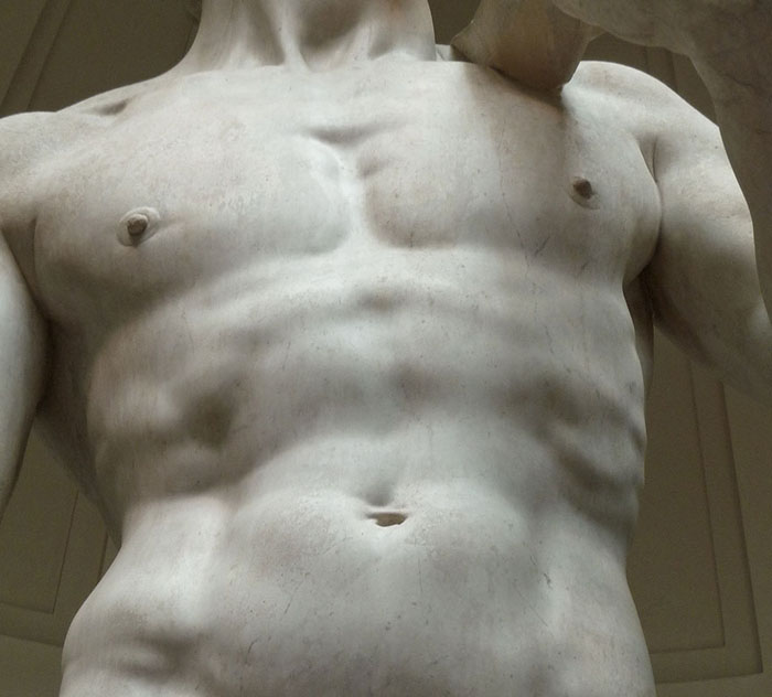 Ближе, чем в музее: как выглядит статуя обнаженного Давида на расстоянии вытянутой руки