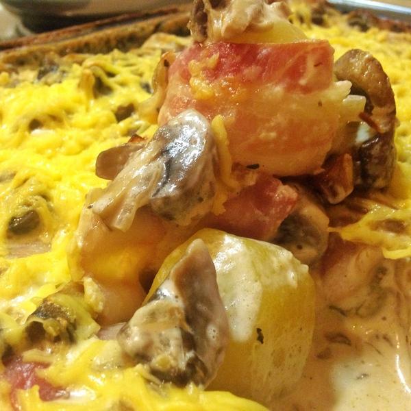Запечённая картошечка с беконом в сырно-грибном соусе. еда, рецепт, Стасон, бекон, грибы, мясо, длиннопост, готовим дома