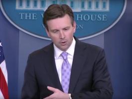 Пресс-секретарь президента США обвинил Россию в подрыве легитимности выборов