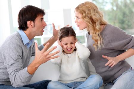 Как бы вы, бабы, выкручивались если бы ребенок при разводе оставался бы с отцом?