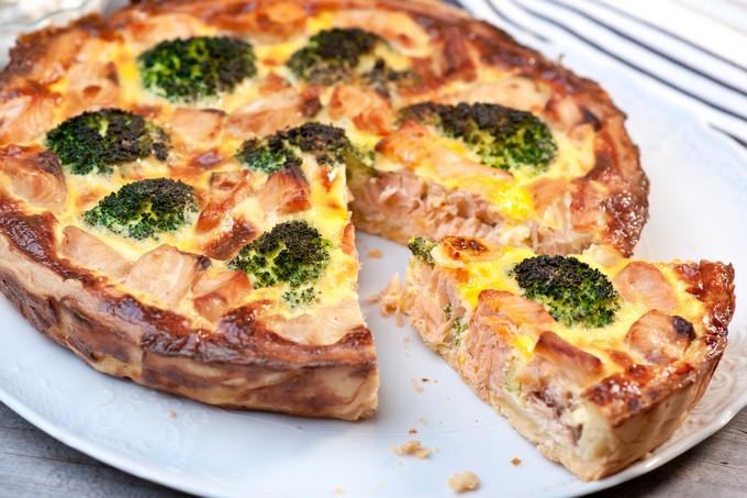 Потрясающе вкусная творожно-мясная запеканка с брокколи.  Фото: yandex.com.