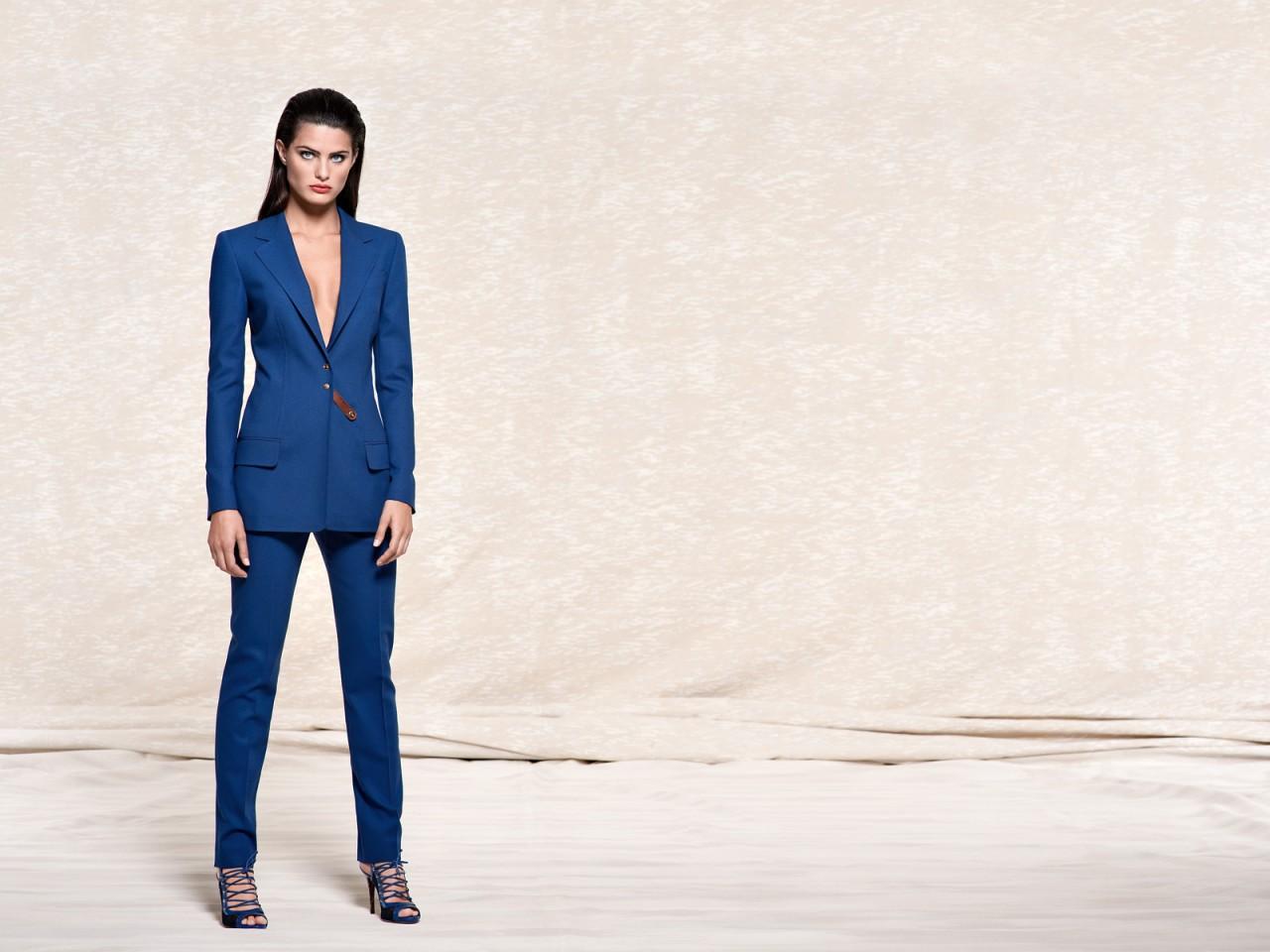 Изабели Фонтана Лицо рекламной компании Escada Весна-Лето 2011