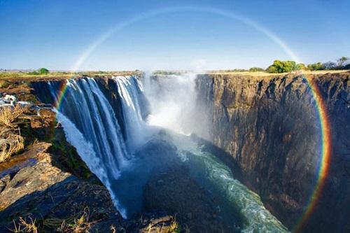 радуга над водопадом Виктория