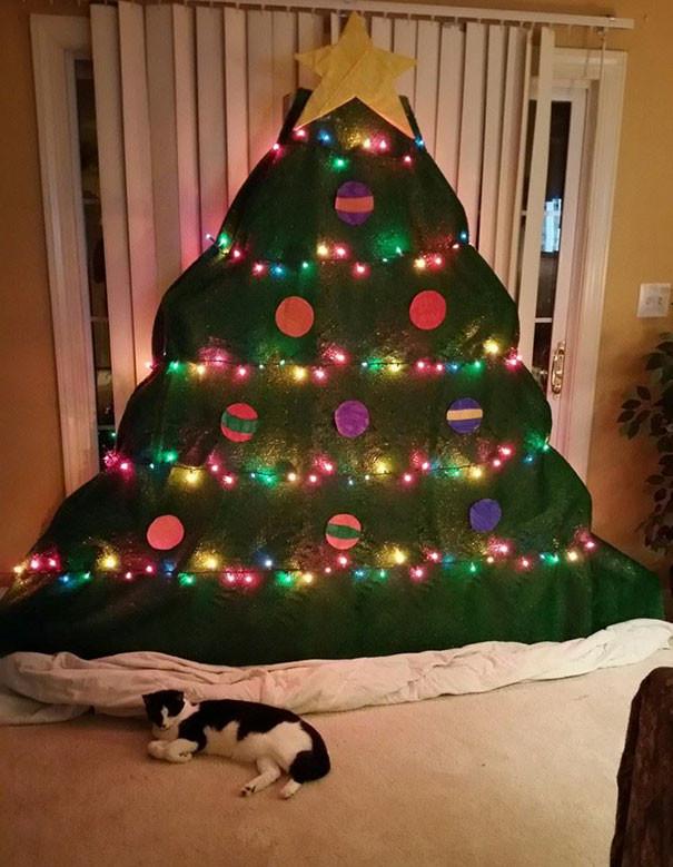Безопасная елка своими руками  елка, животные, защита