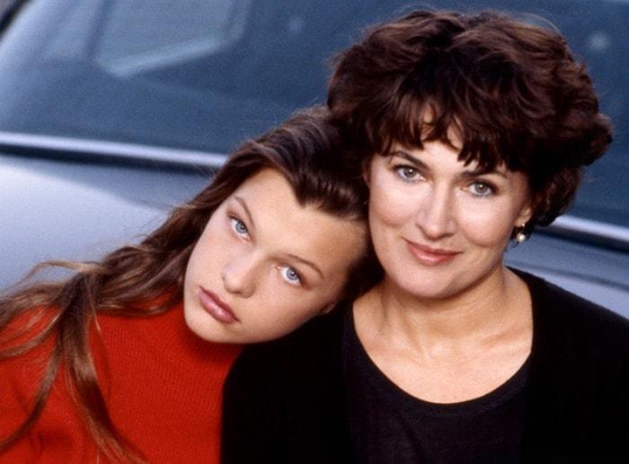 Милла Йовович и ее мать Галина Логинова | Фото: pravda-tv.ru
