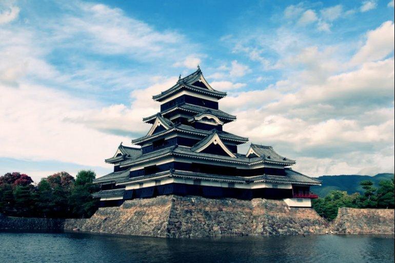 Зачем в японском замке строили низкие комнаты и запутанные лестницы