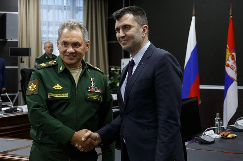 Минобороны РФ и Сербии обсудили участие республики в учении ОДКБ